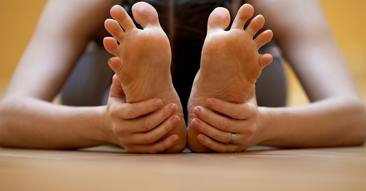 19 Toe Stretches And Exercises To Try