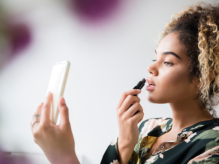 Everything You Want to Know About Natural Makeup