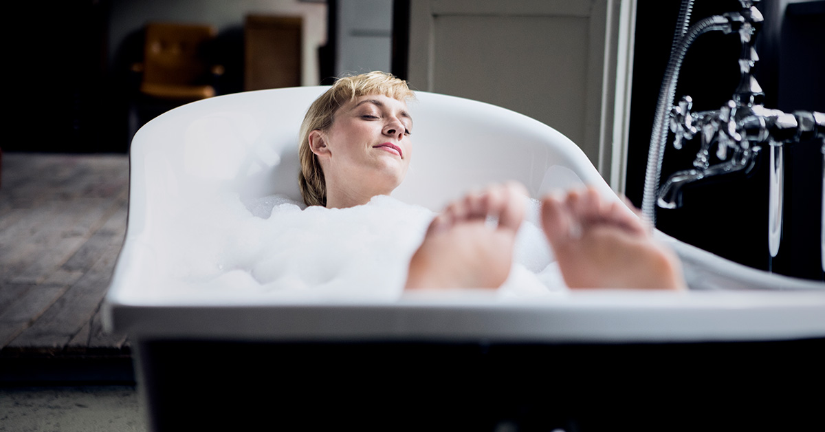 Quick Clean Tips For Essential Oils In Your Bath