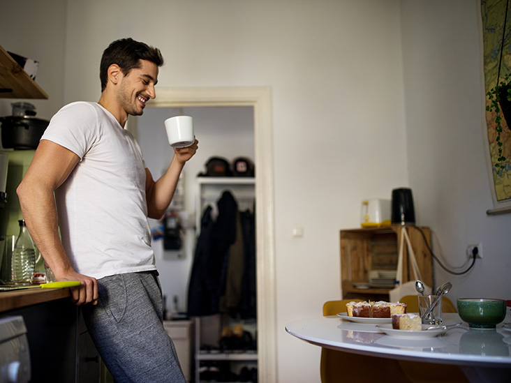 Pros and Cons of Mixing Creatine and Caffeine