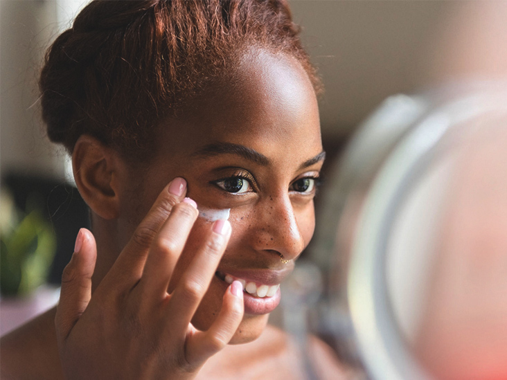 Are There Benefits to Using Aloe Vera Around Your Eyes?