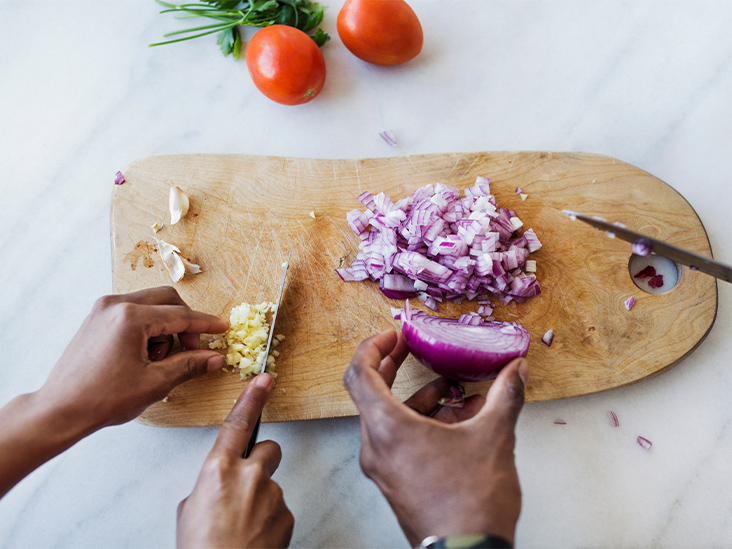 You May Be Able to Lower Your Breast Cancer Risk by Eating More Onions, Garlic