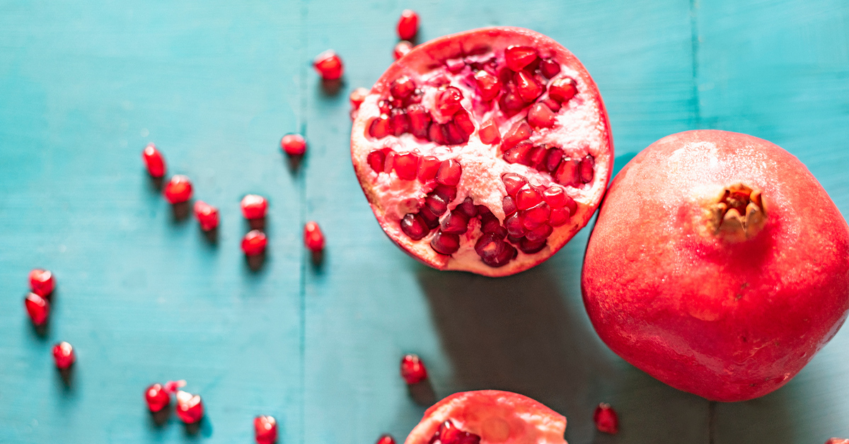 Pomegranate Benefits on the Skin: Facts, Myths, How to Use It