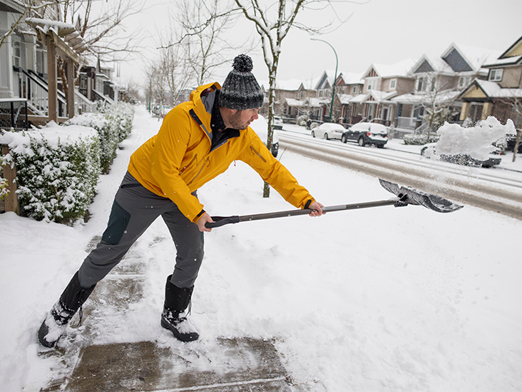 28,000 People Go to the ER Every Year After Shoveling Snow — How to Avoid Being One of Them