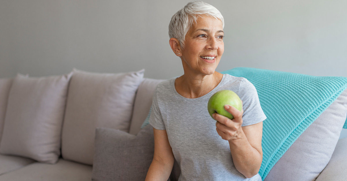 Alzheimer's Risk Reduced by Apples and Other Foods with Flavonoids