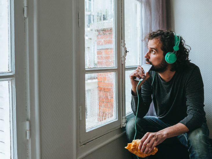 7 Ways to Keep Depression from Spiraling in Lockdown