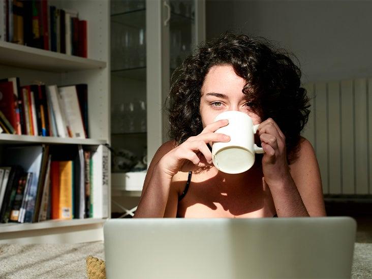 female coffee morning laptop sun 732x549 thumbnail.