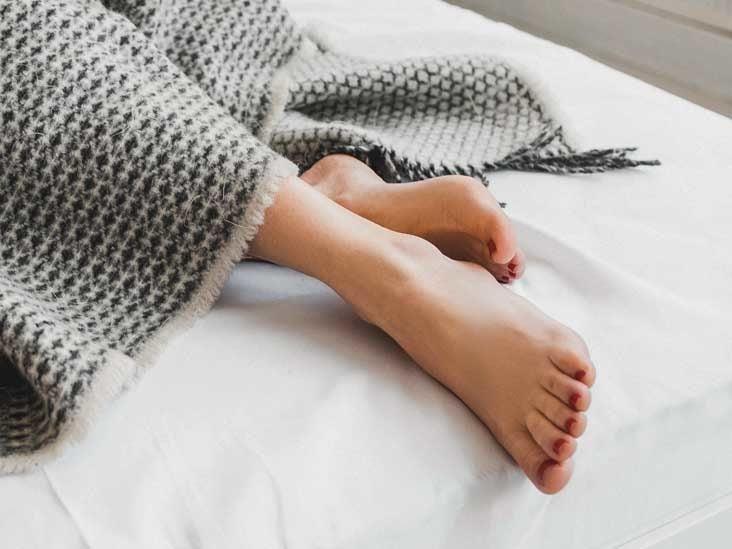 Girl Masturbating Showing Feet