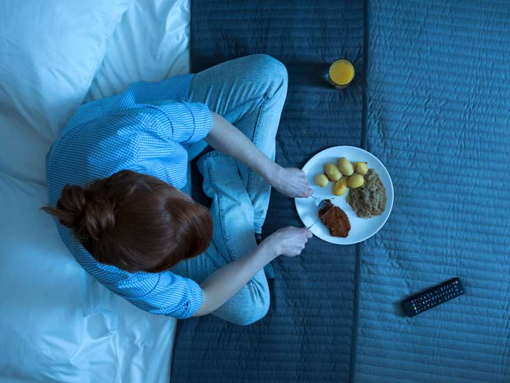 10 Clever Ways to Stop Eating Late at Night