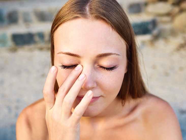 Dry Eyelids Flaky Home Remedy Red Itchy Scaly Causes And More