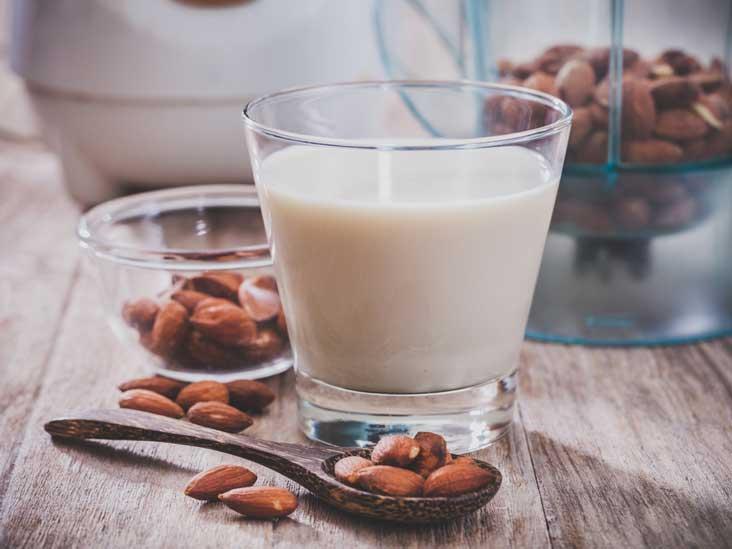 9 Science-Based Health Benefits of Almond Milk