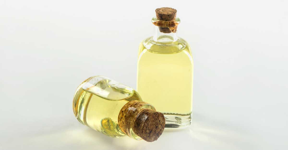 7 Benefits and Uses of Castor Oil