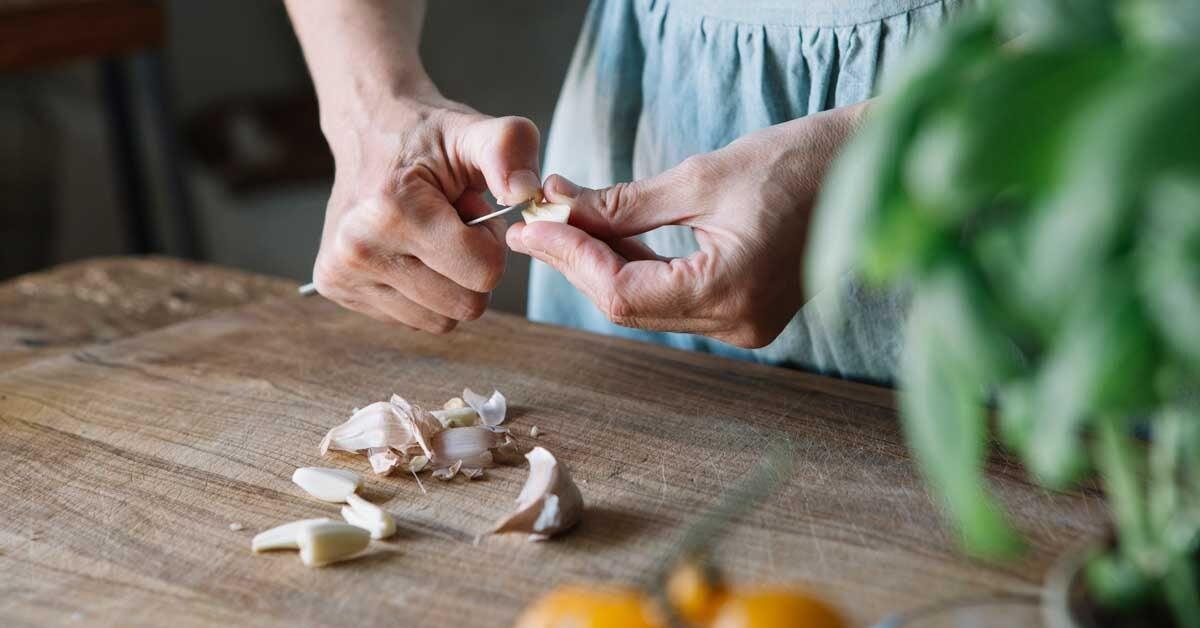 11 Proven Health Benefits of Garlic