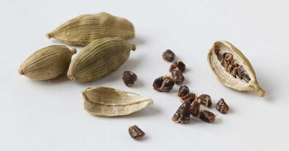 10 Health Benefits Of Cardamom Backed By Science