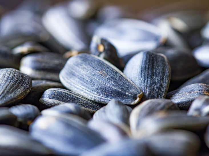 Sunflower Seeds: Nutrition, Health Benefits and How to Eat Them