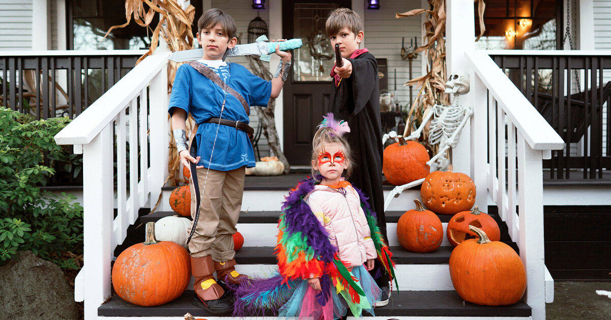 6 Safer Ways to Celebrate Halloween in 2020 - cover