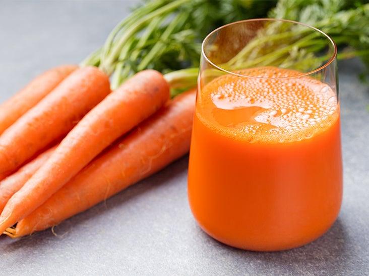 8 Impressive Benefits of Carrot Juice