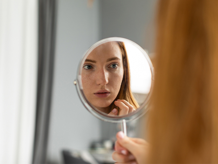 Retinol For Acne: How To Use Safely, Side Effects, Products
