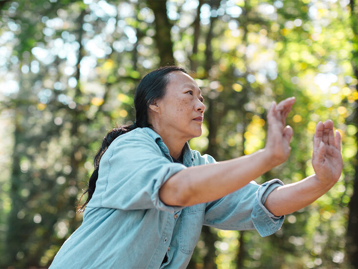 4 Benefits of Qigong Meditation and How to Get Started