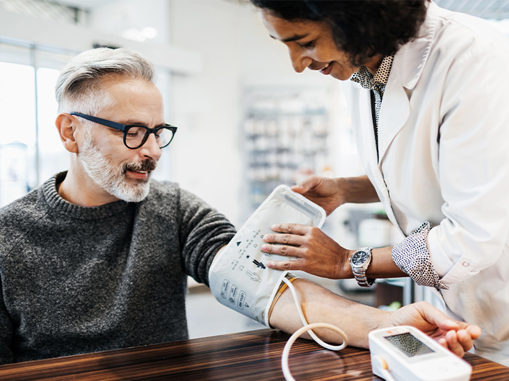 High Blood Pressure in Midlife Affects Men and Women's Risk of Dementia Differently