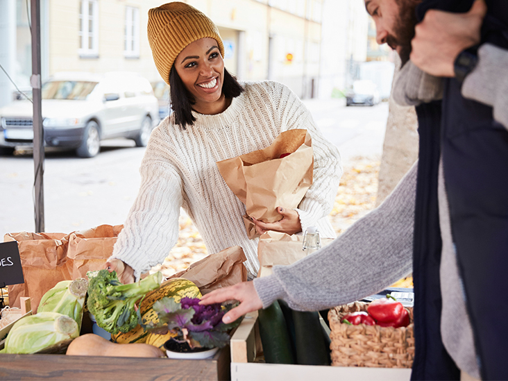7 Fantastic Benefits of Eating Local