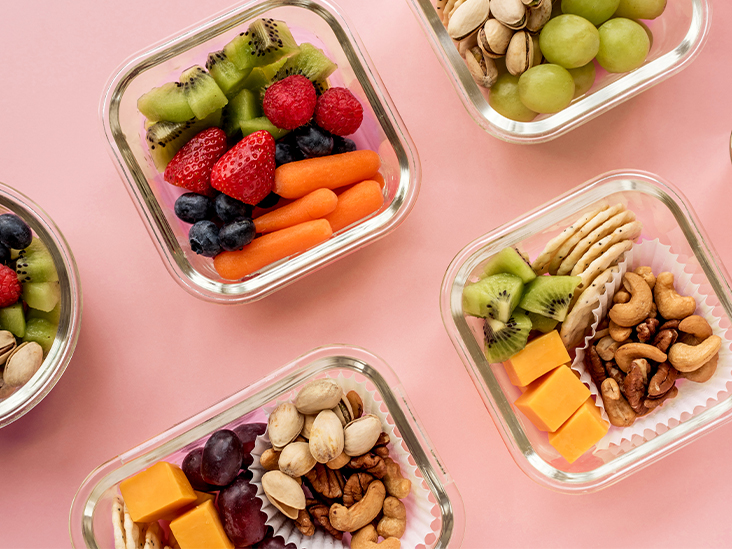 Healthy Eating on the Go: A Guide to Dining Out, Traveling, and More