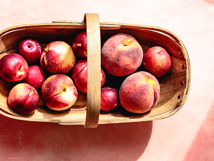 What's the Difference Between Peaches and Nectarines?