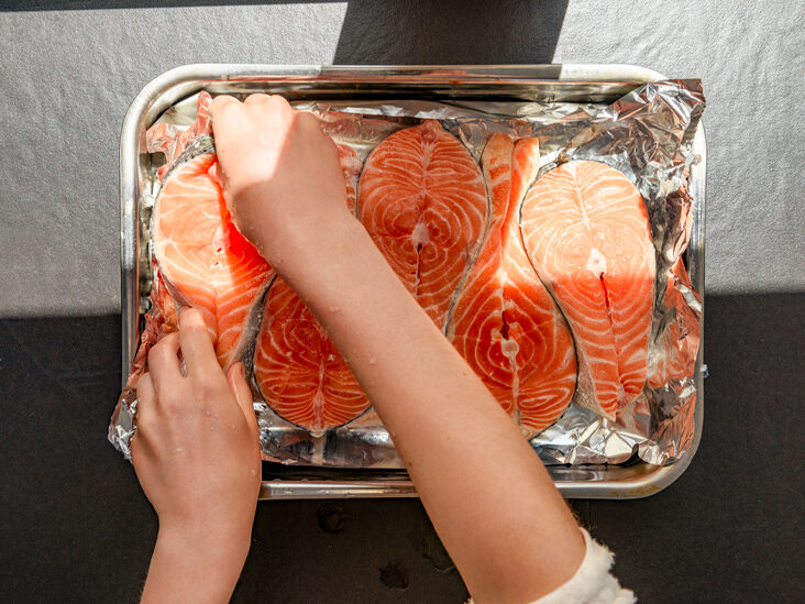 Wild vs. Farmed Salmon: Which Type of Salmon Is Healthier?