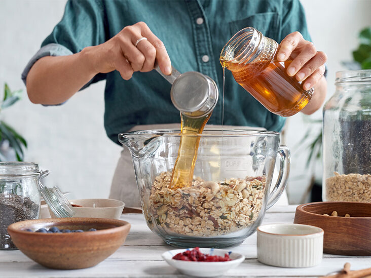 5 Healthier Substitutes for Corn Syrup