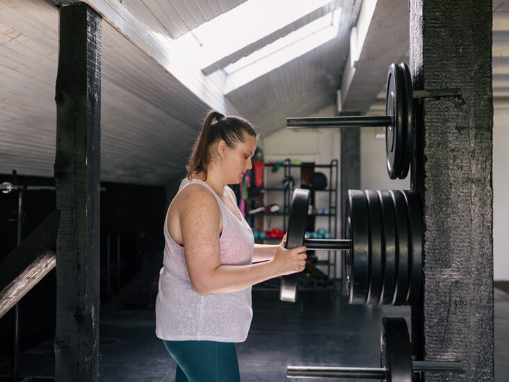 Plate Press: Benefits, Muscles Worked, and How-To
