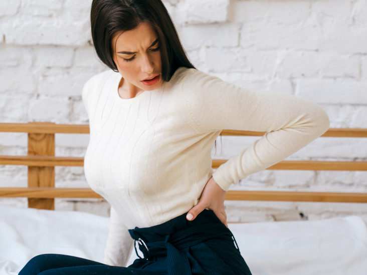 Middle Back Pain Left Side: Causes, Treatments & When to Seek Care