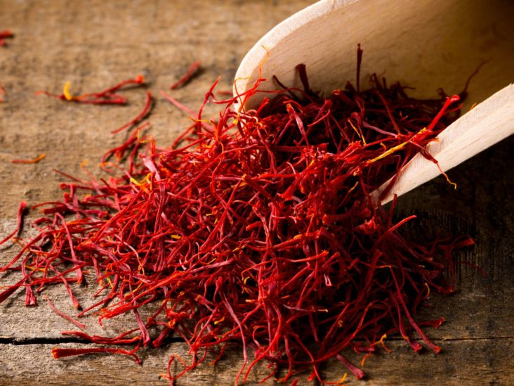 Saffron Health Benefits Side Effects And How To Use It