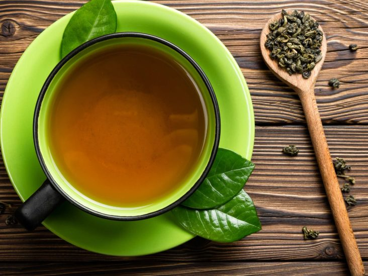 Thé vert: bienfaits pour la santé, effets secondaires et recherche