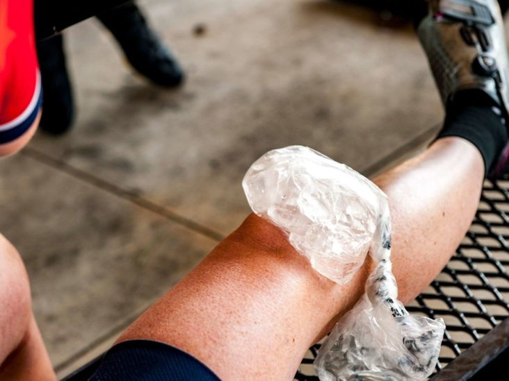 Knee pain: Common causes and when to see a doctor
