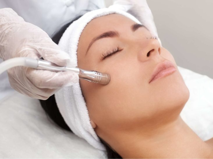 Chickenpox scar removal: Treatments and