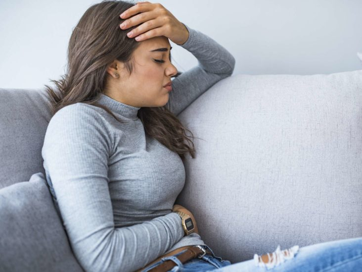 Upper Left Abdominal Pain Under Ribs 10 Causes